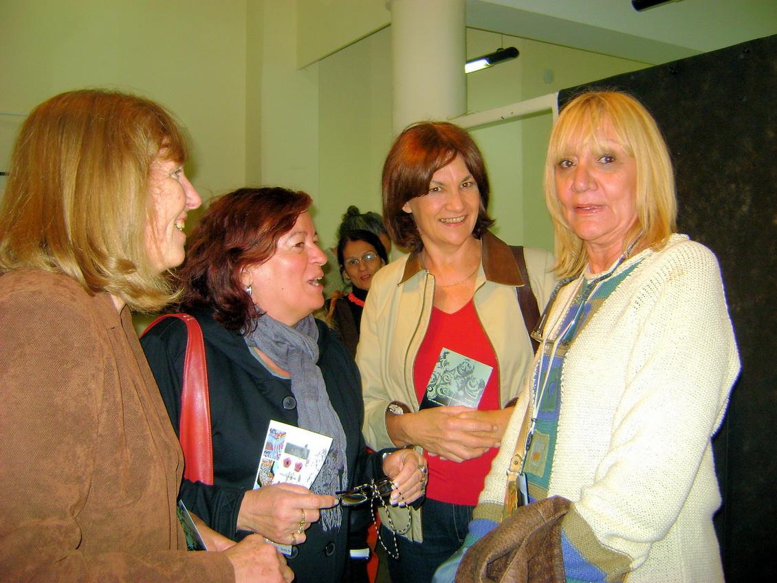 Perla Schettini,Edith González,Cristina de Miguel, Alicia Otrino en la presentación