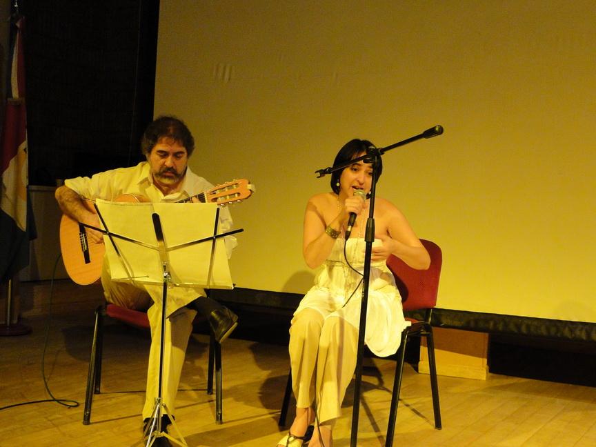 Cacho Hussein y Nilda Godoy, en escena
