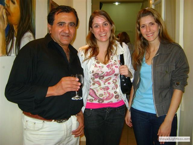 Luz de ciudad con una ex-alumna y otra artista plastica.