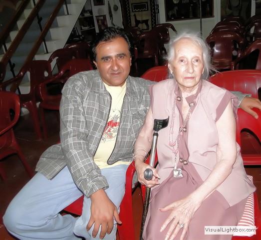 luz de ciudad con Maria Brizzi de López Claro.