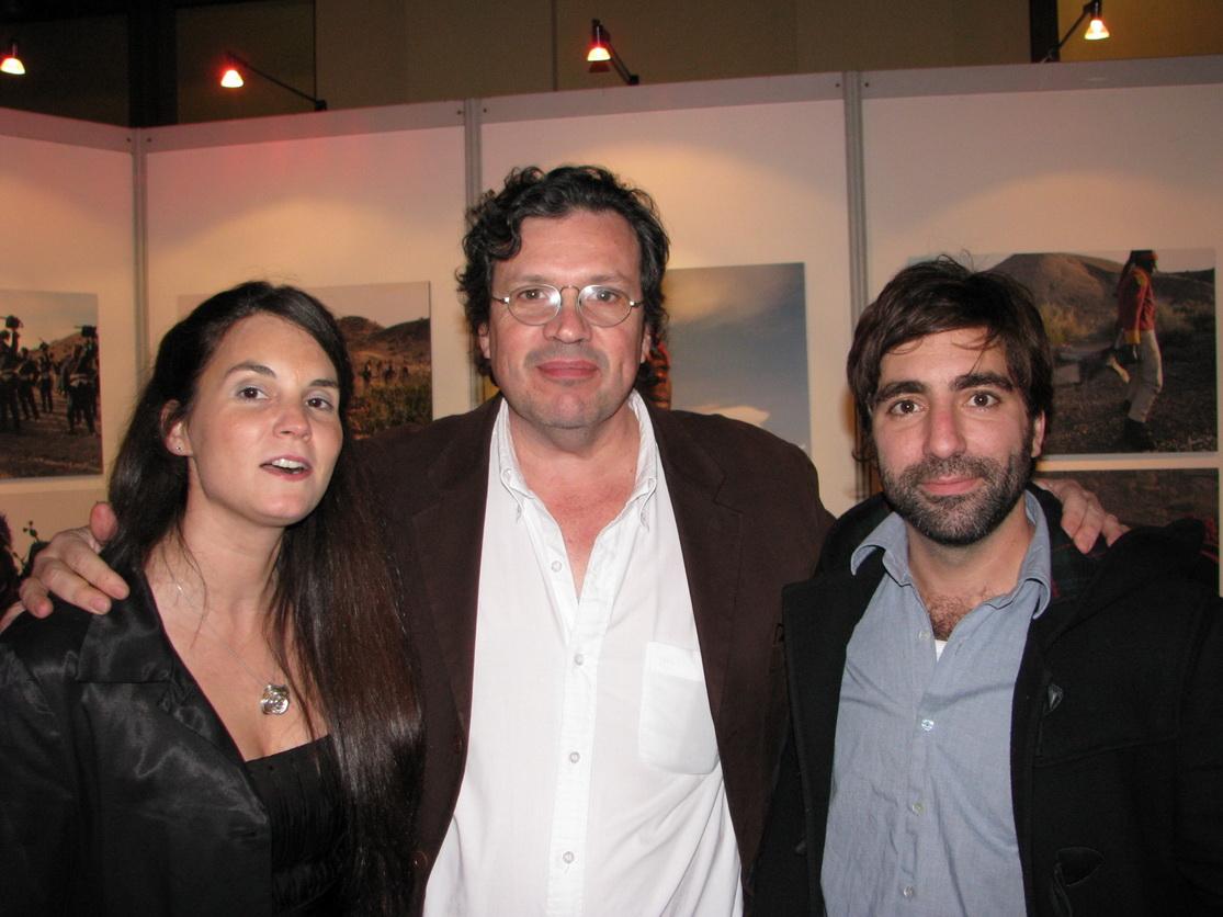 Nadia Ingaramo con Victor Bugge, fotógrafo presidencial.