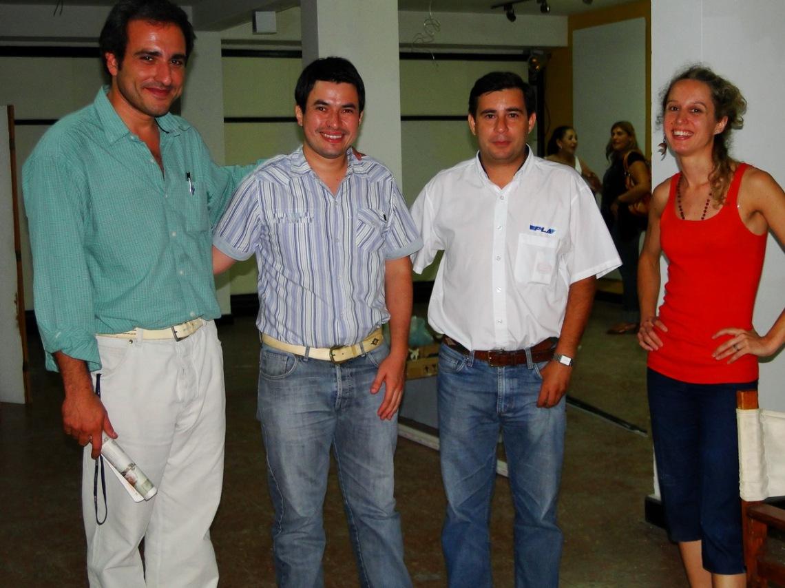 Oscar Martínez -Presidente de la fundación Centro, el Director de prensa, Lic. Ruifernández, la prensa de San Justo y A. Rabellino.