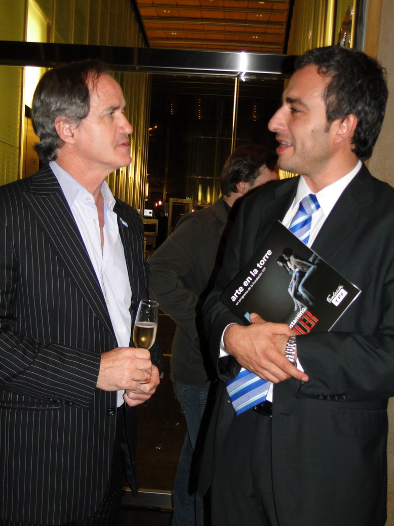 Ezequiel Eskenazi con el presidente de la Fundacion Centro, Oscar Martínez.