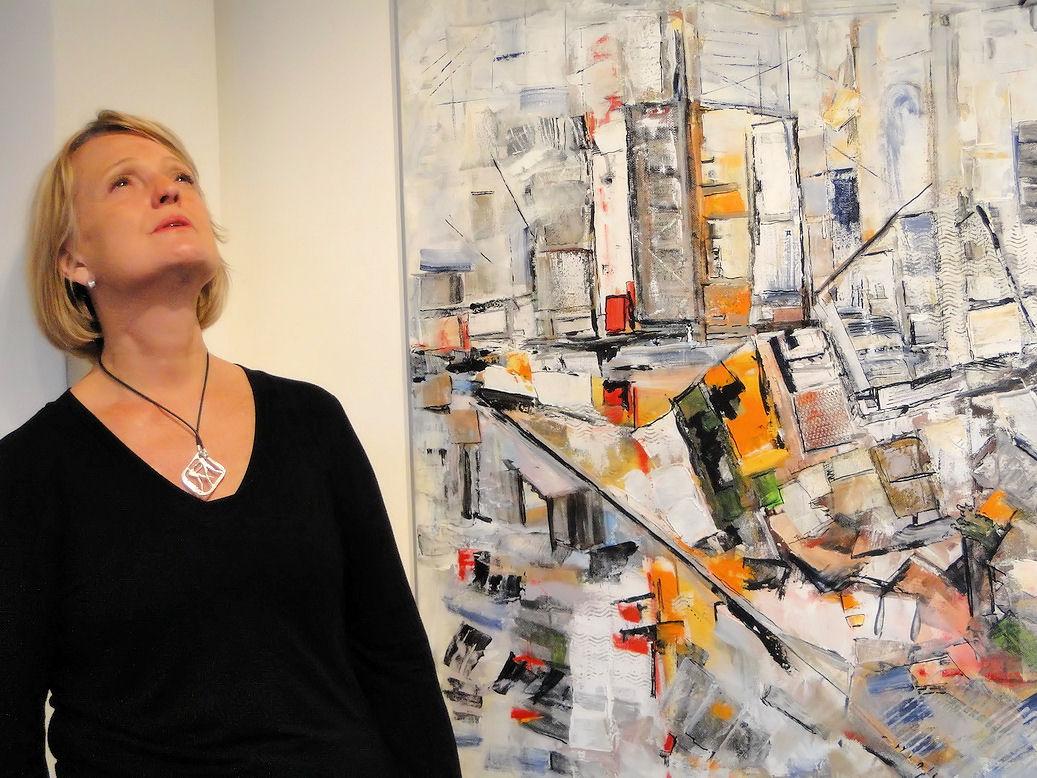 Marisa, posando para Luz de Ciudad. Galería Thames.