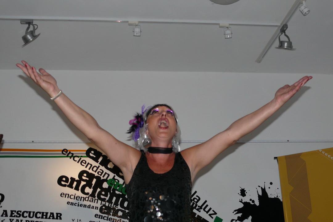 Una artista en performance