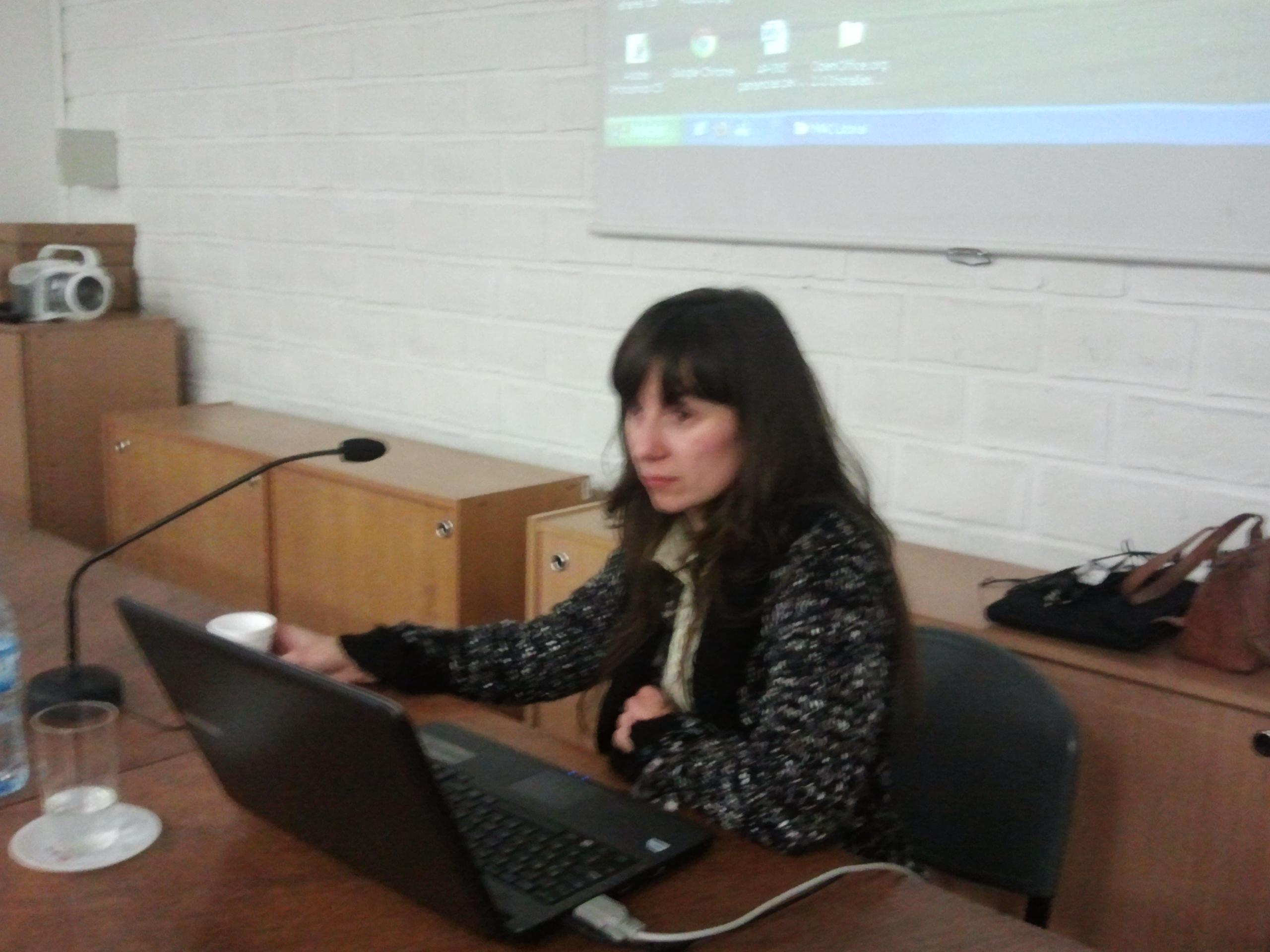 Cecilia Fiel en su disertacion