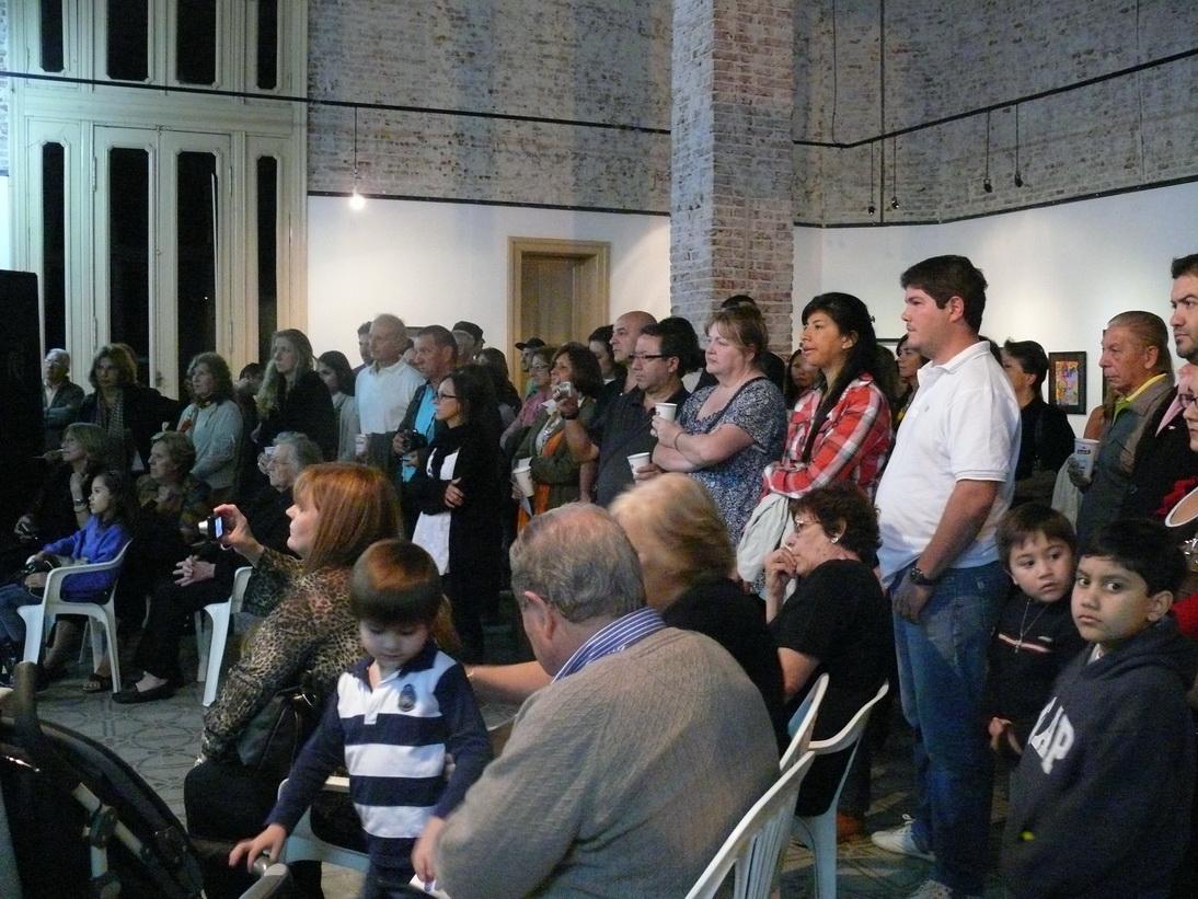 Una multitudinaria cantidad de público presente.