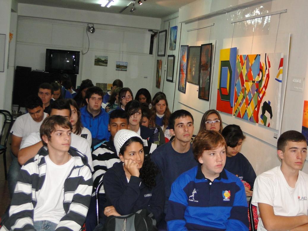 la sala llena convocó a los chicos