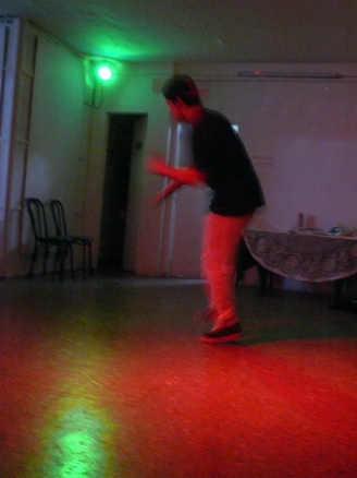 todo el break dance en la sala.