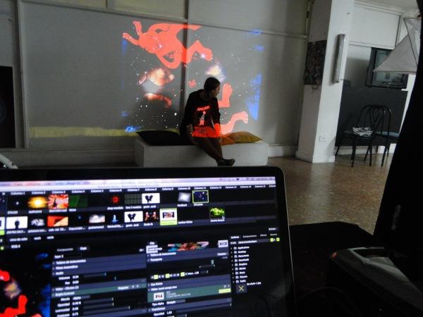 Expresiones contemporáneas:  VJ, Mapping e instalación visual en un curso taller.
