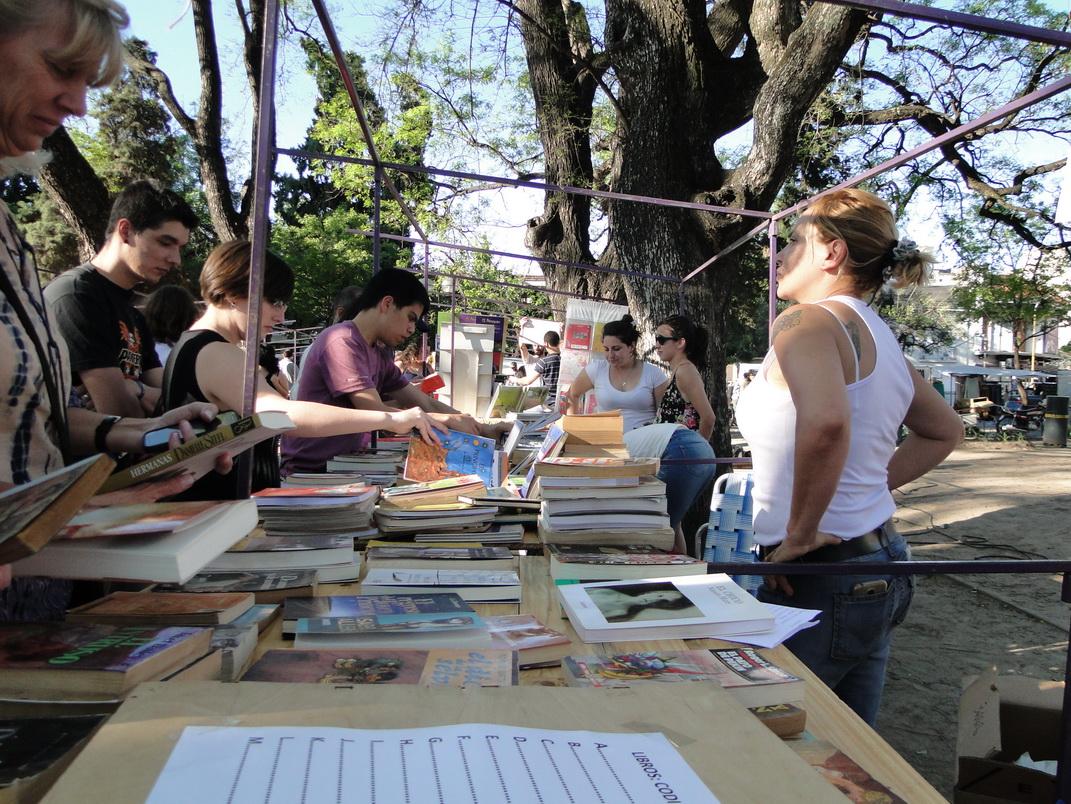 feria-libro-usado-daniel-otero-luzdeciudad-jardindelicias-innovasantafe_001