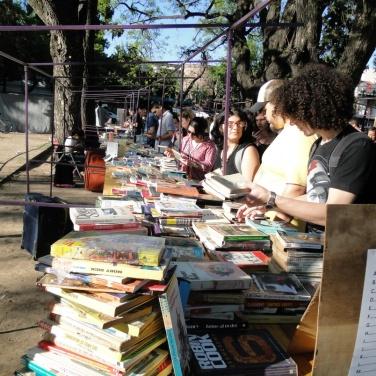 feria-libro-usado-daniel-otero-luzdeciudad-jardindelicias-innovasantafe_005