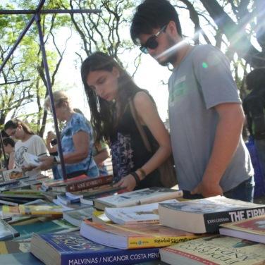 feria-libro-usado-daniel-otero-luzdeciudad-jardindelicias-innovasantafe_008